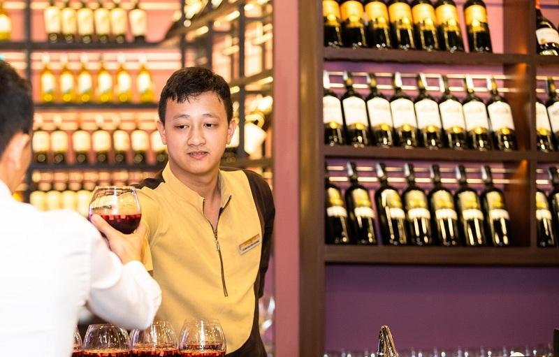 Bạn sẽ thưởng thức Rượu Vang nơi cuối đường hầm