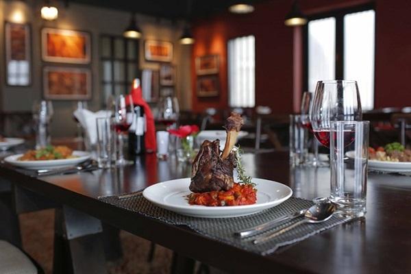 lịch trình ăn trưa tại nhà hàng bà nà hills