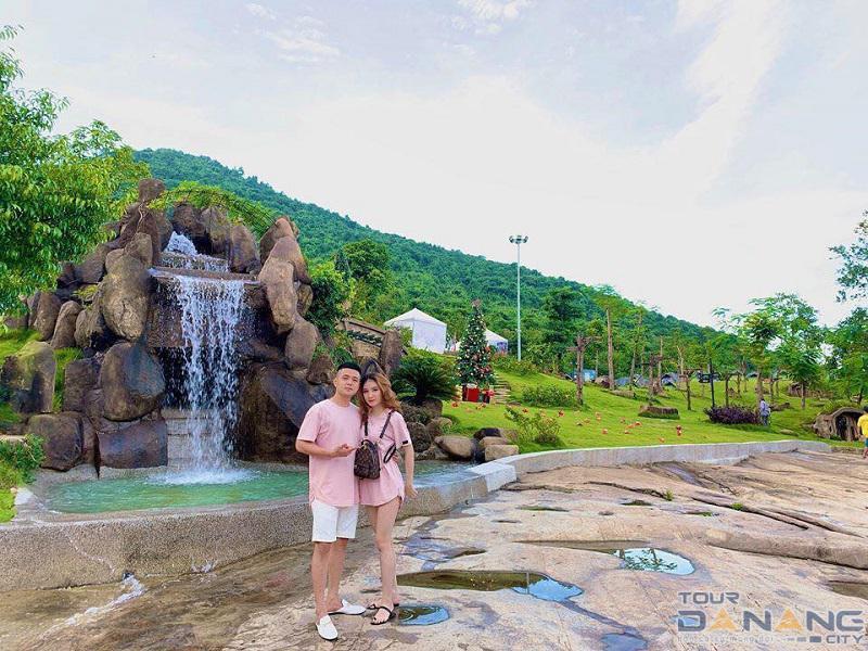 Bạch Mã Village