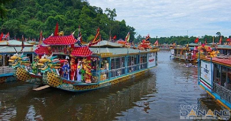 Điện Hòn Chén ở thành phố Huế