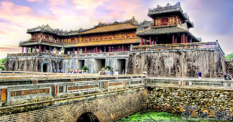 Kiến trúc độc đáo của thành phố Huế