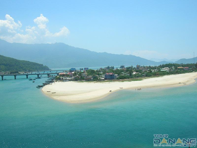 Lăng Cô ở thành phố Huế