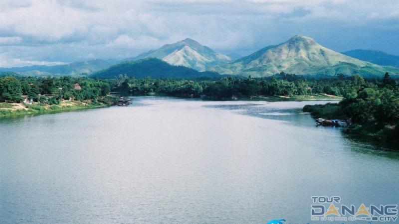 Núi Ngự Bình ở thành phố Huế