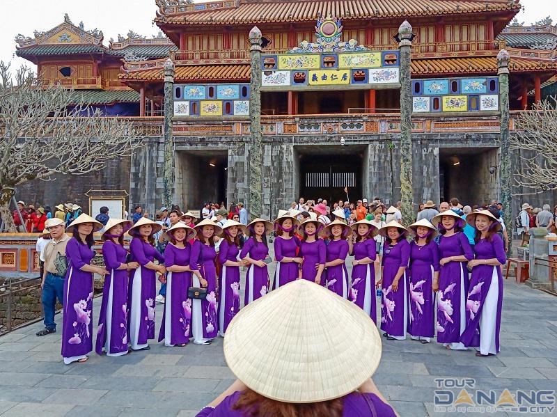 Trang phục thành phố Huế