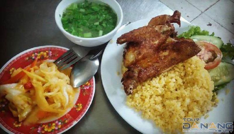 Bật Mí 12 quán cơm gà Đà Nẵng được săn lùng nhiều nhất