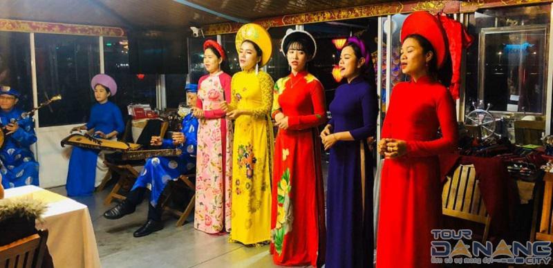Giá vé nghe ca Huế trên sông Hương