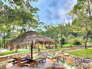 suối nước nóng ở Huế