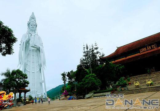 Tượng phật chùa Linh Ẩn Đà Lạt