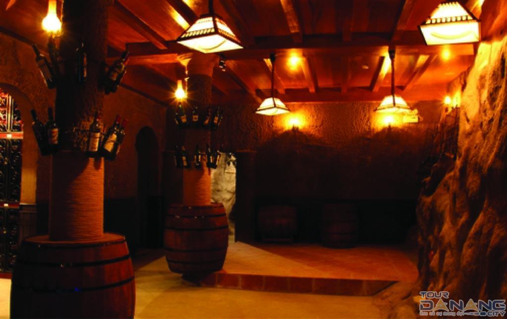 Hầm rượu Debay ở Bà Nà